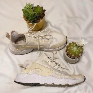 Nike Air Hurache Dry Nike White Sneaker Size 8